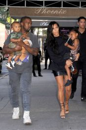 kim-kardashian-and-kanye-west-with-kids-north-and-saint-west