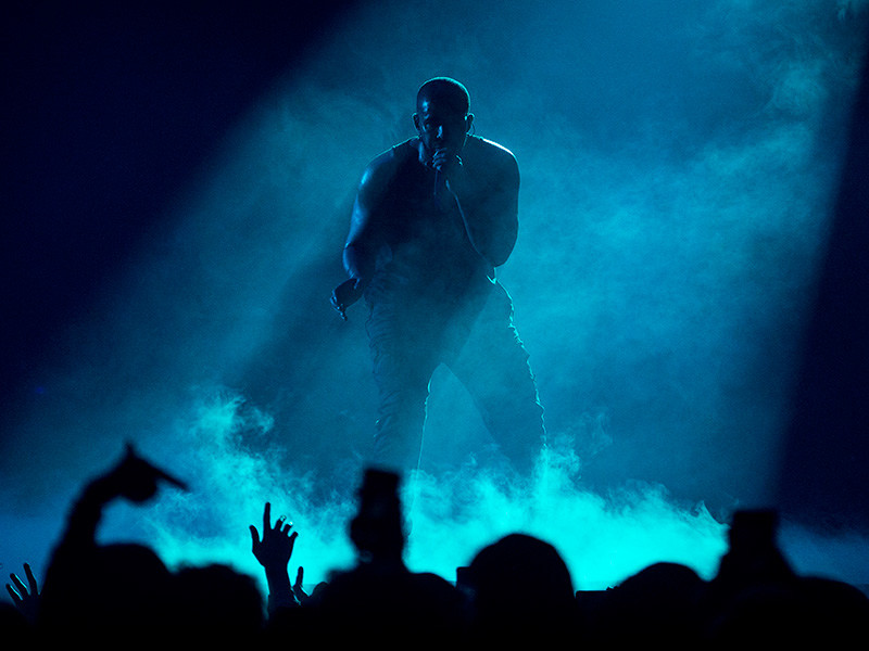 Drake Wore A Kanye West Mask During The Boy Meets WorldTour